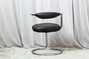 64_spaceage_chairs (4)